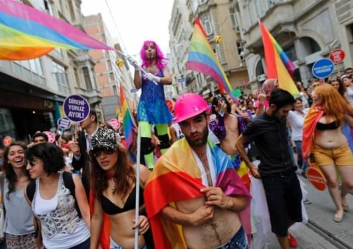 'Legge regionale omotransnegatività? Immorale e immonda'
