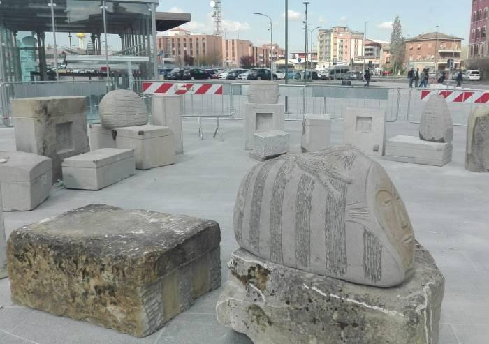 Porta Nord, è già caos viabilità, ma c'è il monumento al migrante
