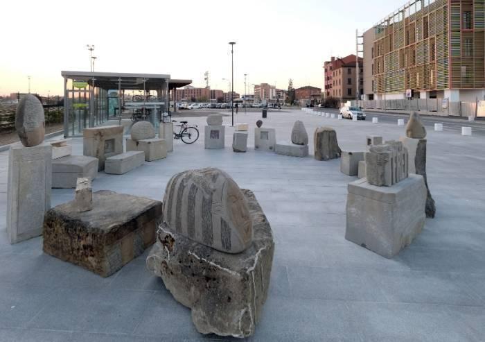 Monumento al migrante, ultima serie di obbrobri artistici modenesi