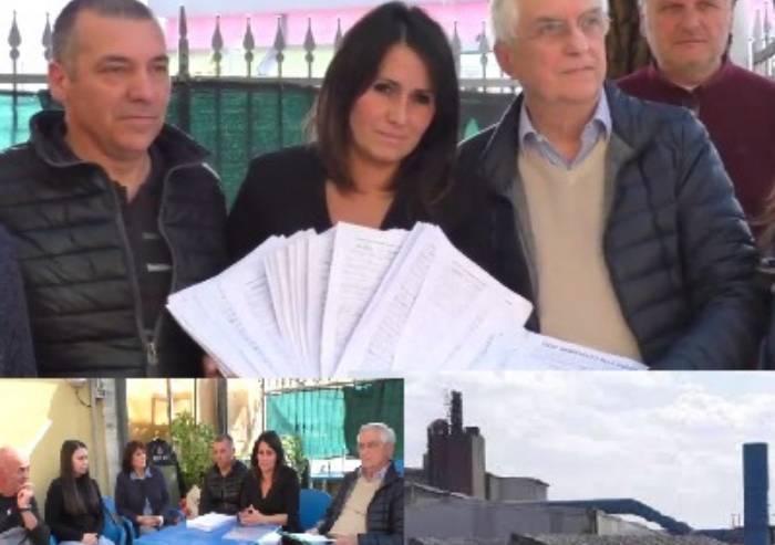 Fonderie: 2500 firme per dire basta ad odori ed inquinanti, e il Comune revoca l'assemblea pubblica