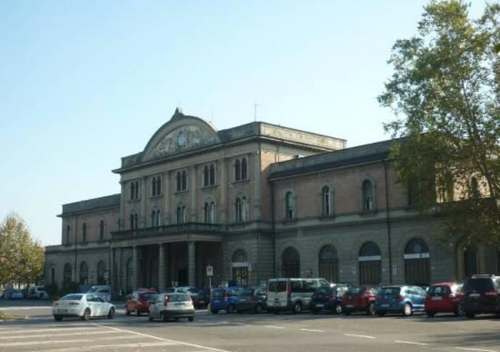 Stazione Piccola, la tabaccheria strozzata dal cantiere infinito
