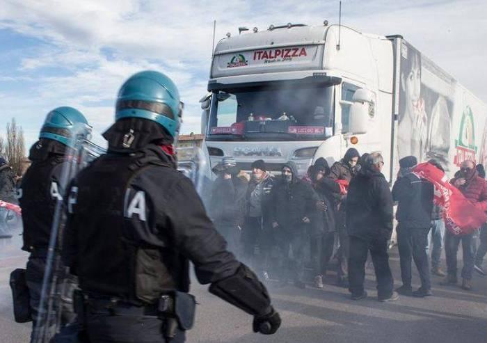 'La Polizia è a servizio del Paese, disgustati dalla accuse SiCobas'