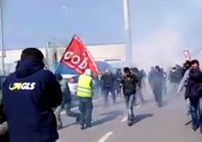 Si Cobas, scontri con Polizia: cinque feriti e un arresto
