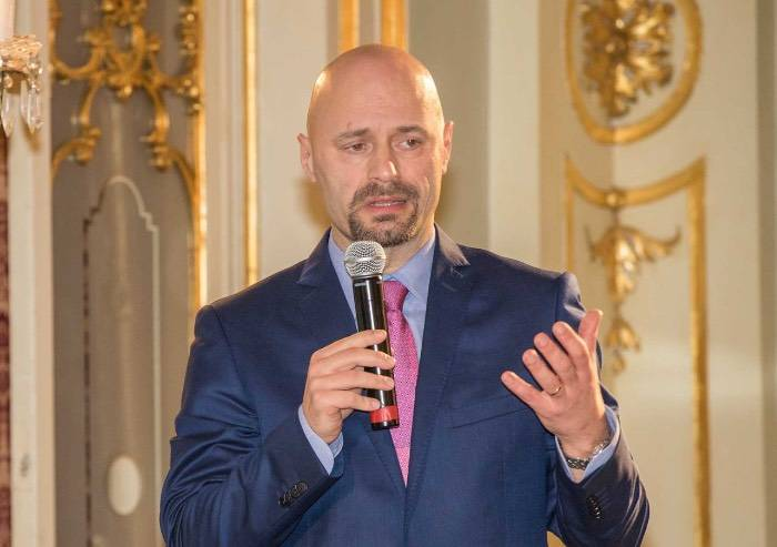 Orrore di Reggio: il Prefetto ha sospeso il sindaco di Bibbiano