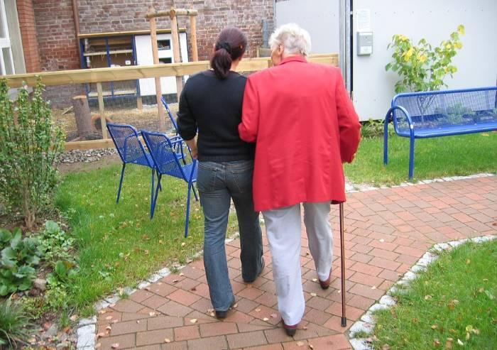 Strutture anziani, le convenzioni negate e l'odissea di chi ha bisogno