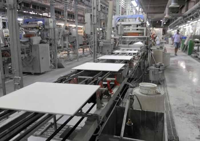 Export, +1% in Emilia-Romagna, a Modena bene le macchine per ceramica