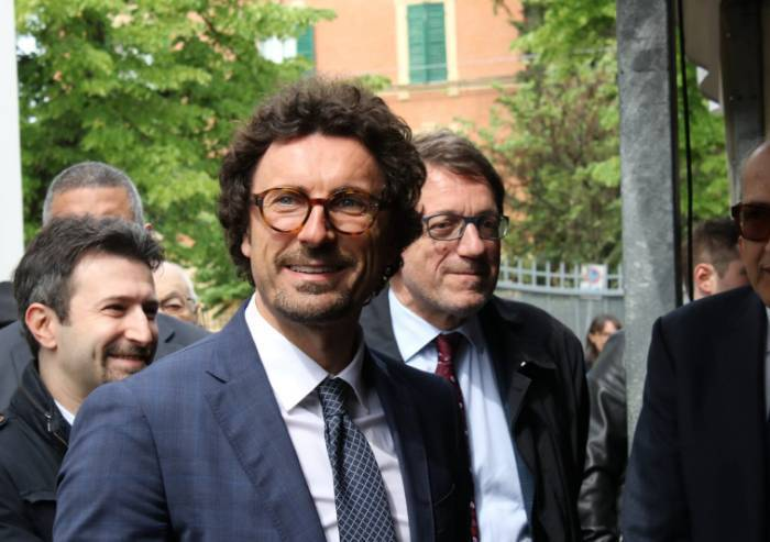 Passante Bologna, Toninelli a Bugani: 'Era a tutti i tavoli'
