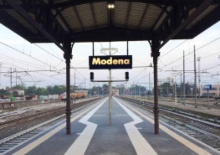 Stazione di Modena, senza ascensori al treno si preferisce l'auto