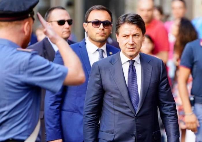 Crisi di governo: Conte sfida aperta a Salvini in Parlamento