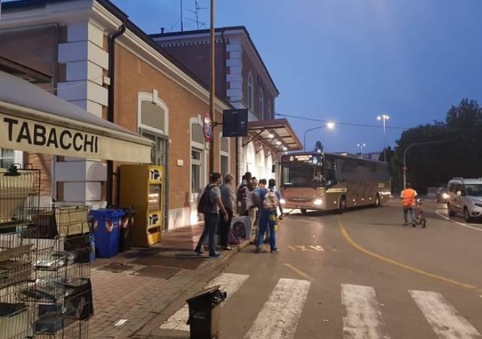 Treni, Modena all'alba è isolata e ci pensano i pullman: inaccettabile