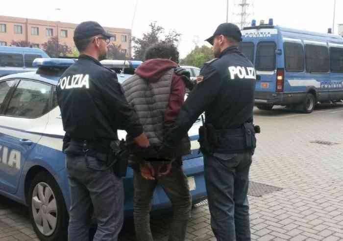 Modena, rapina impropria: arrestato 39enne ghanese clandestino