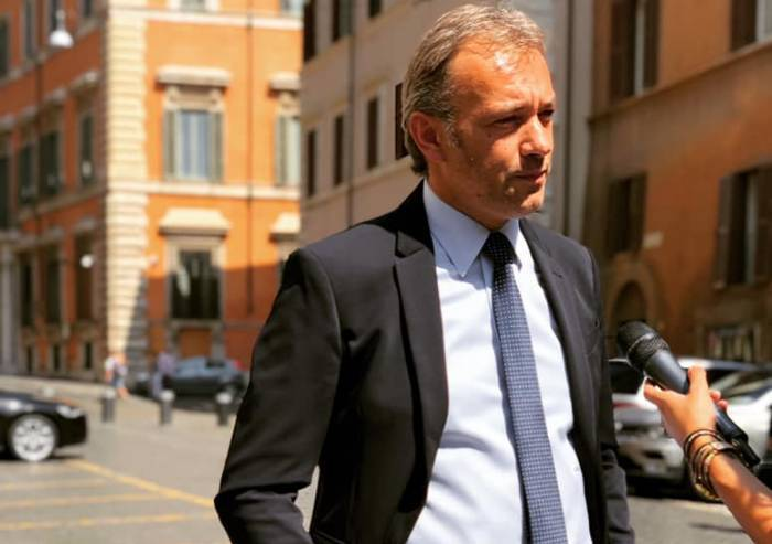 Conte Bis, al Senato Matteo Richetti non vota contro ma si astiene