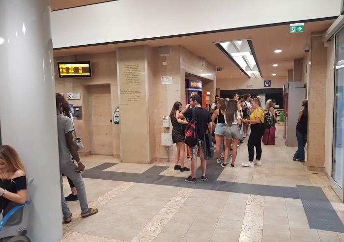 Carpi, festival Filosofia ma la biglietteria della stazione è chiusa