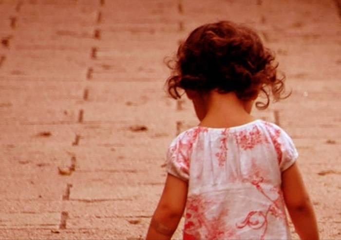 'Abbiamo solo chiesto aiuto, ora non vogliono ridarci nostra figlia'