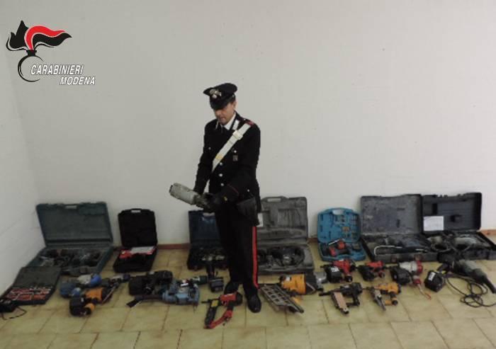 Castelvetro: utensili e attrezzi da lavoro trovati in un casolare