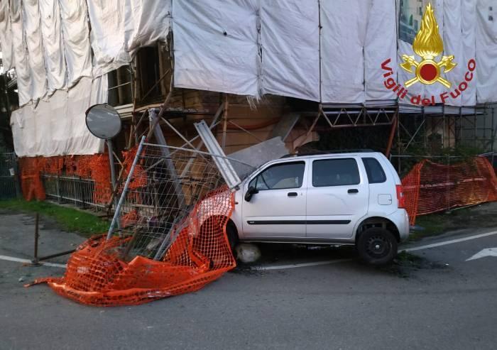 Castelvetro, si schianta contro impalcatura del cantiere