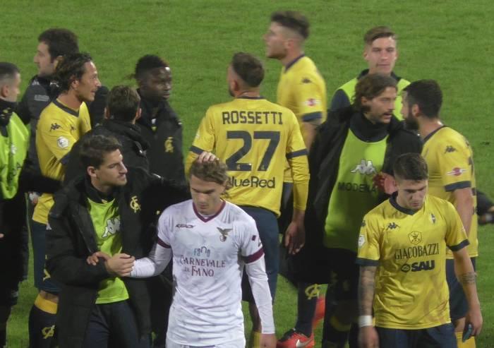 Rossetti salva il Modena: 2-1 al Fano