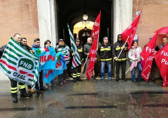 Vigili fuoco: oggi a Modena presidio in prefettura, poi 4 scioperi