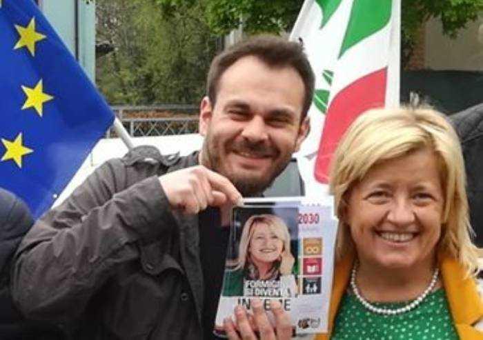 Formigine, capogruppo Pd: 'Vorrei sposare la ragazza del dito medio a Salvini'