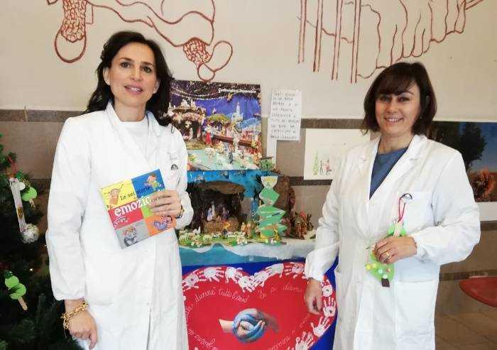 Bambini modenesi nelle case di riposo per portare la magia del Natale