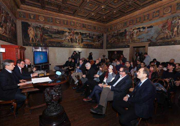 Par condicio, Muzzarelli ai giornalisti: 'Salvini? Cocktail e deliri'