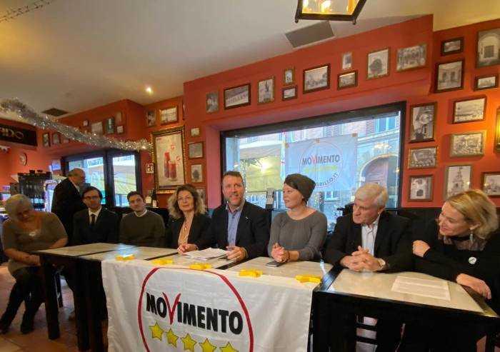 Il M5S si presenta: 'La politica del Pd sta con lobby inceneritori'