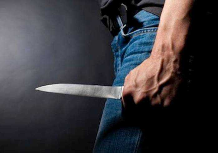 Tenta di stuprare ragazza sudamericana: arrestato 55enne italiano