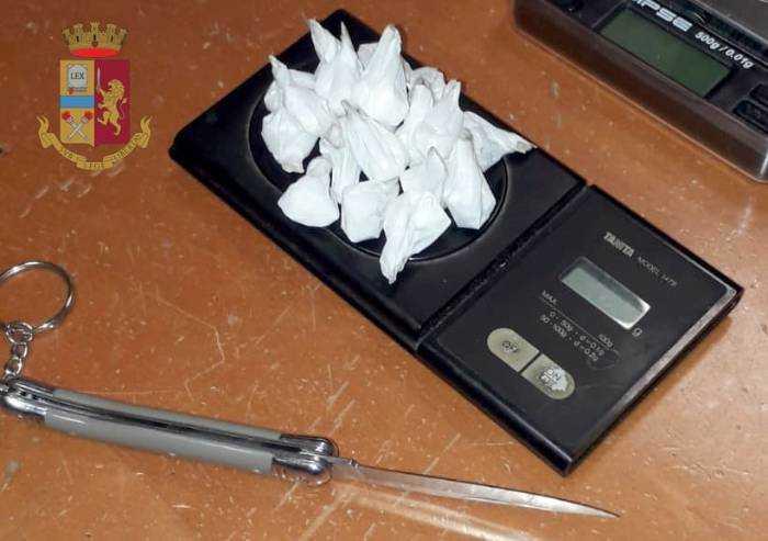 Cocaina in auto e in casa: modenese arrestato dalla Squadra Volante