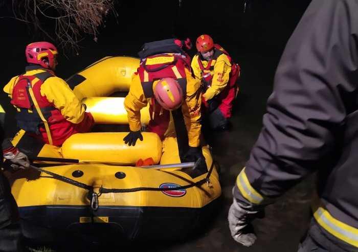 Scompare da casa riposo, 90enne trovato annegato nei laghi del parco