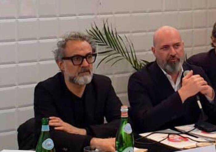 'Bonaccini, cena da 1000 euro con Bottura: ecco arroganza del potere'
