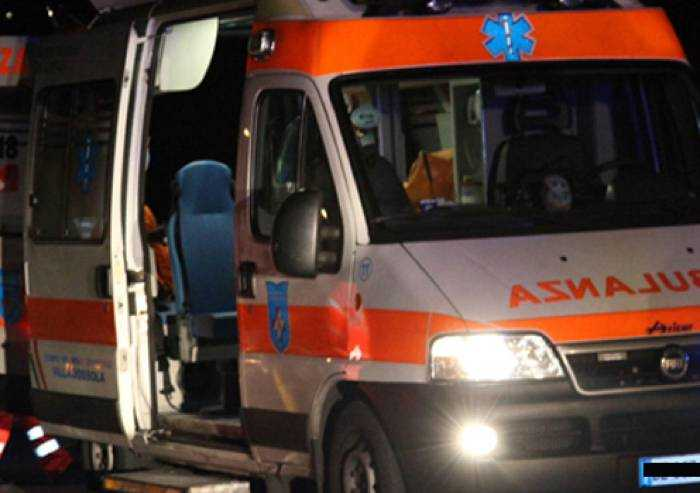 Camposanto, schianto frontale contro un camion: muore 26enne