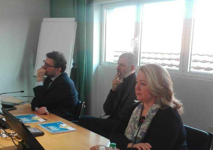 Lega, Giorgetti a Modena con Bertolini: 'Domenica è un voto nazionale'