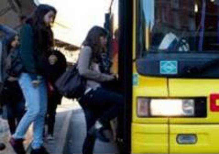 Universitari a Bonaccini: 'Bus gratis anche per noi'