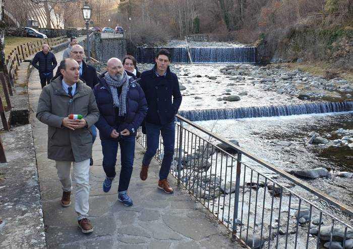Bonaccini riparte da dove ha perso: tour nella montagna modenese