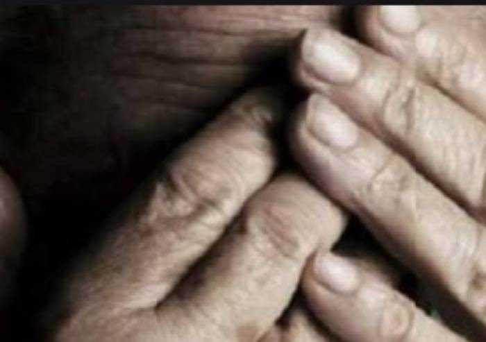 Lesignana: anziano legato picchiato e derubato