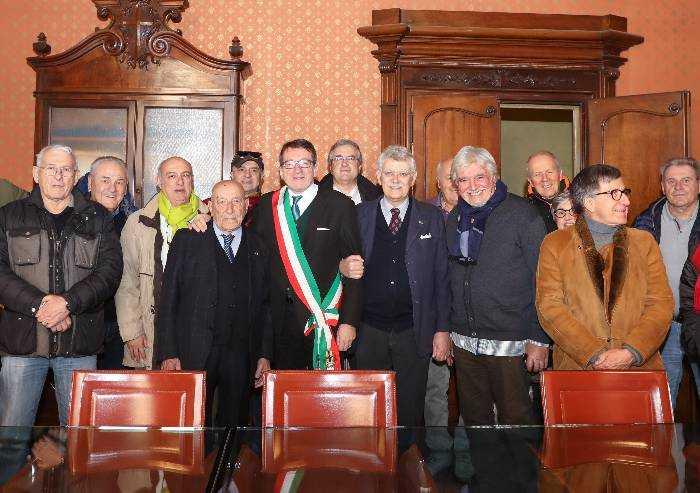 Taglio del nastro in Comune a Modena per i 100 anni di Carlo