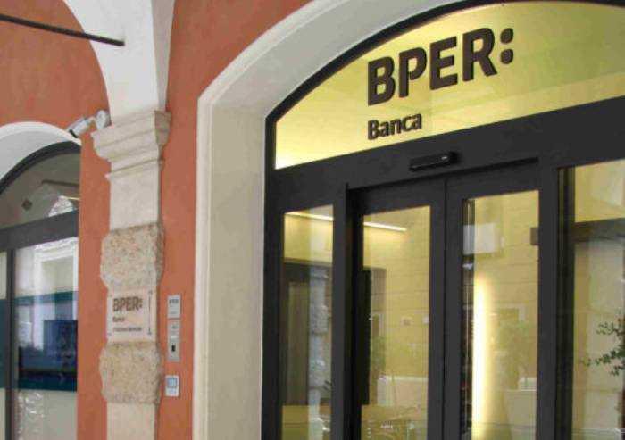 Bper, accordo per acquisire 500 filiali Ubi: sul piatto un miliardo di euro
