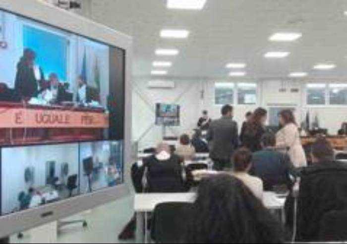 Appello Aemilia: difesa contesta sistema audio: 'Imputati non sentono'