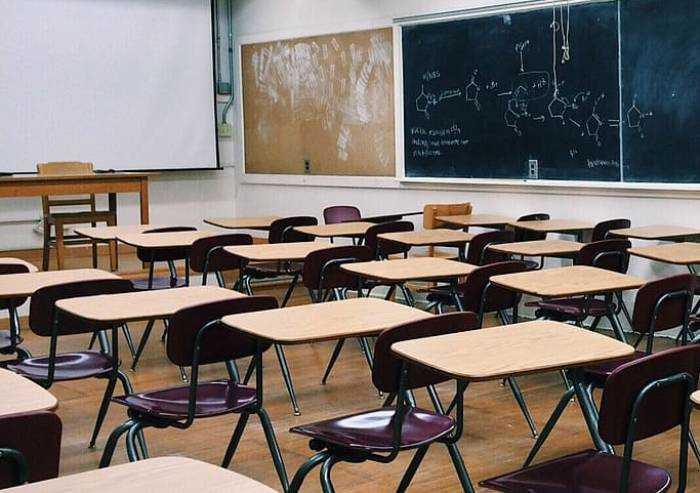 Scuola primaria Soliera, dirigente scolastico nega scelta dell'orario