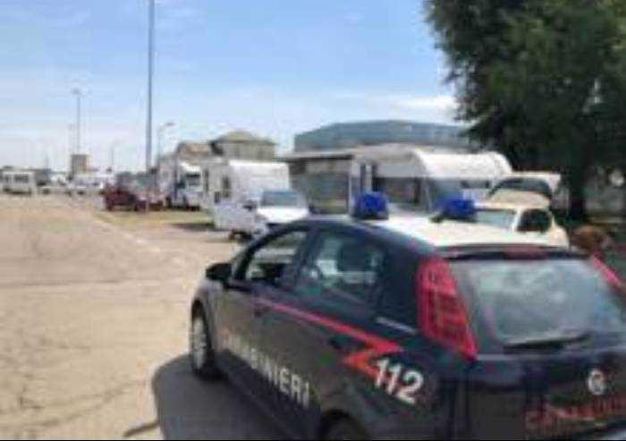 Furto di energia e di furgone: bloccate due donne Rom