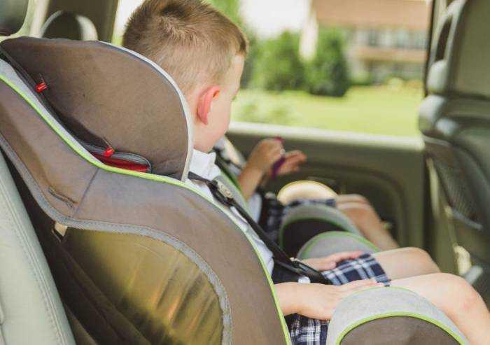 Montare il seggiolino auto: consigli preziosi