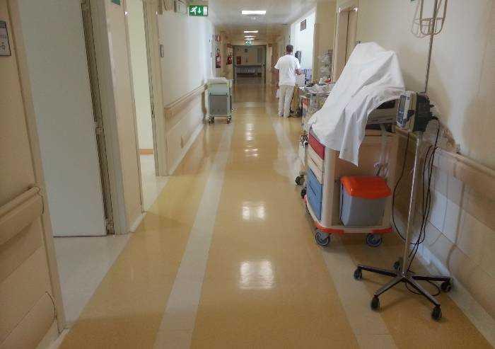 Coronavirus, personale sanitario decimato. Appello a nuove assunzioni
