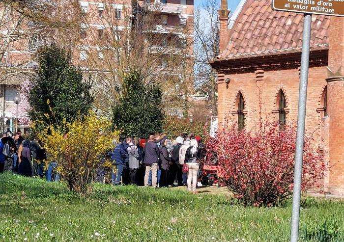Decreto coronavirus, ma la chiesa ortodossa di Modena è gremita