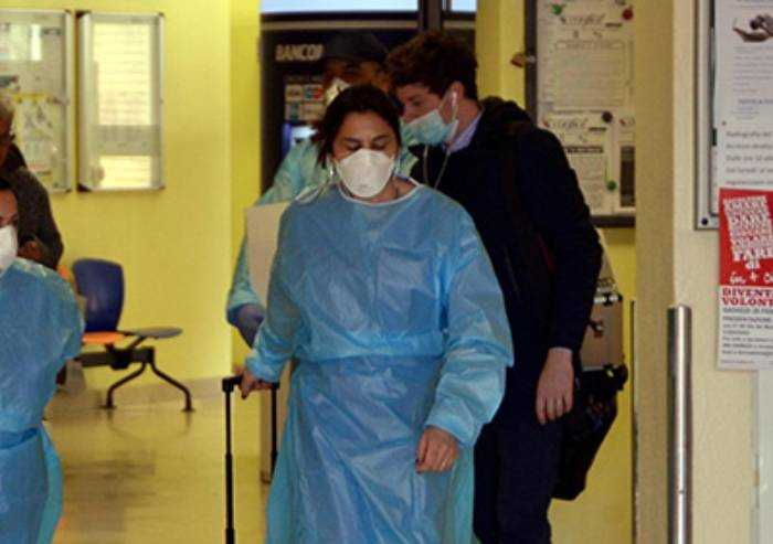 Coronavirus, oggi la mortalità in Italia è del 4,9%