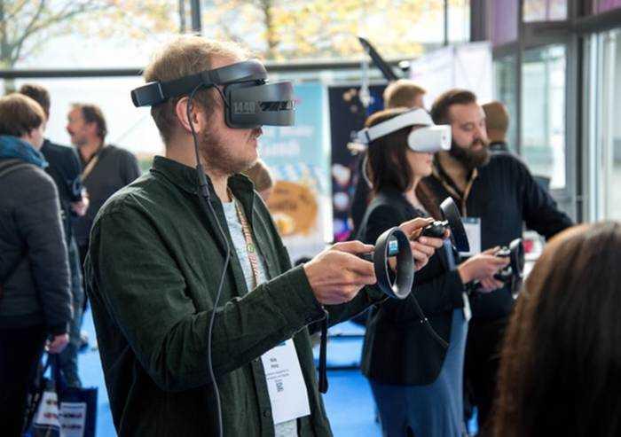 Come l'Emilia-Romagna sfrutta la realtà virtuale per intrattenimento, sanità e sviluppo economico