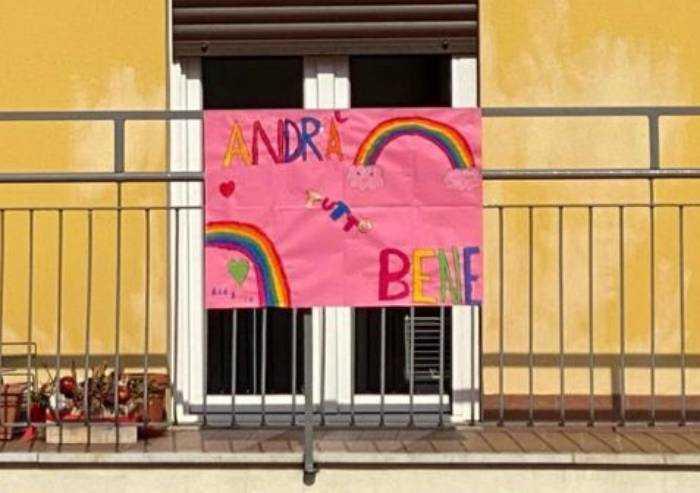 Anche Beatrice e Leonardo colorano di ottimismo il balcone
