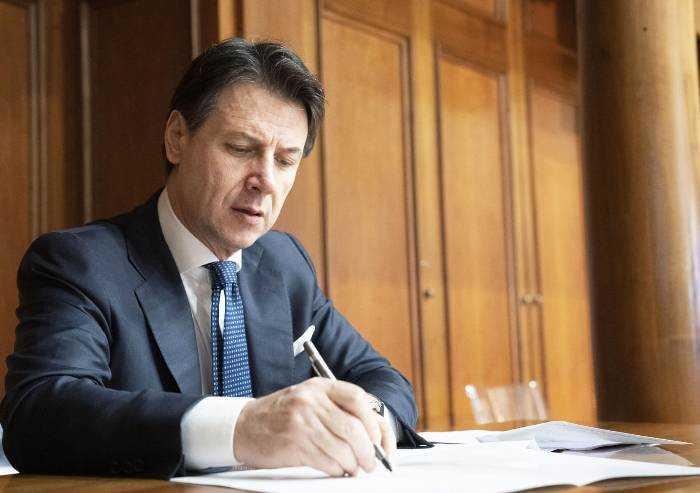 Coronavirus, firmato protocollo per la sicurezza nei luoghi di lavoro