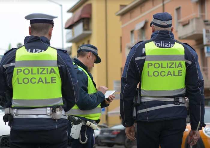 Coronavirus, a Modena parchi troppo affollati. Interviene la Polizia