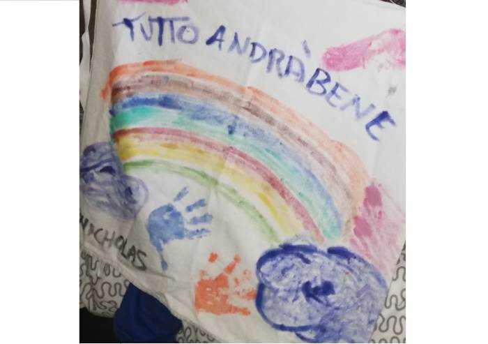 Nikolas, due mani e un arcobaleno
