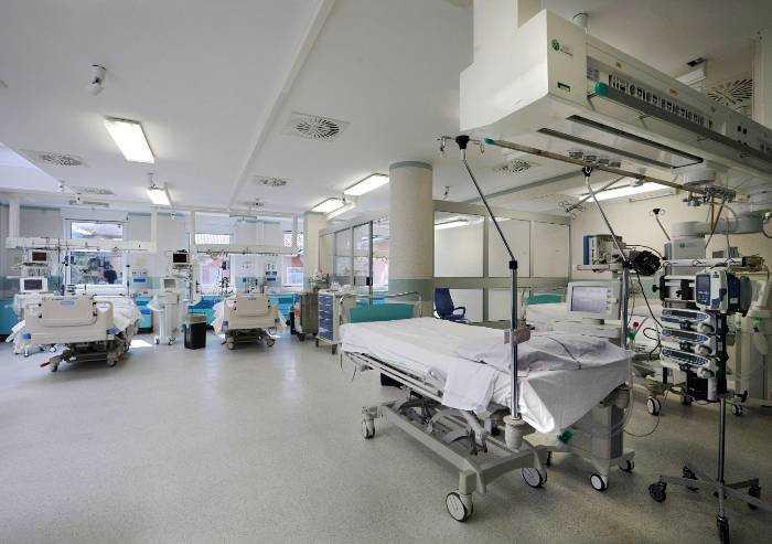 Coronavirus, oggi 70 decessi in Emilia Romagna: 12 a Modena